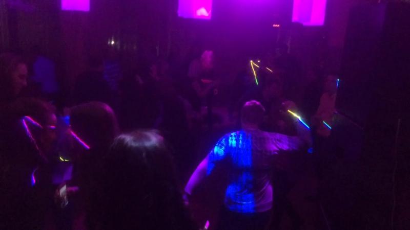 Танцы под попсу @ мАяк