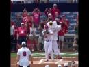 «Вашингтон» привез Кубок Стэнли на бейсбол. Овечкин произвел символический бросок
