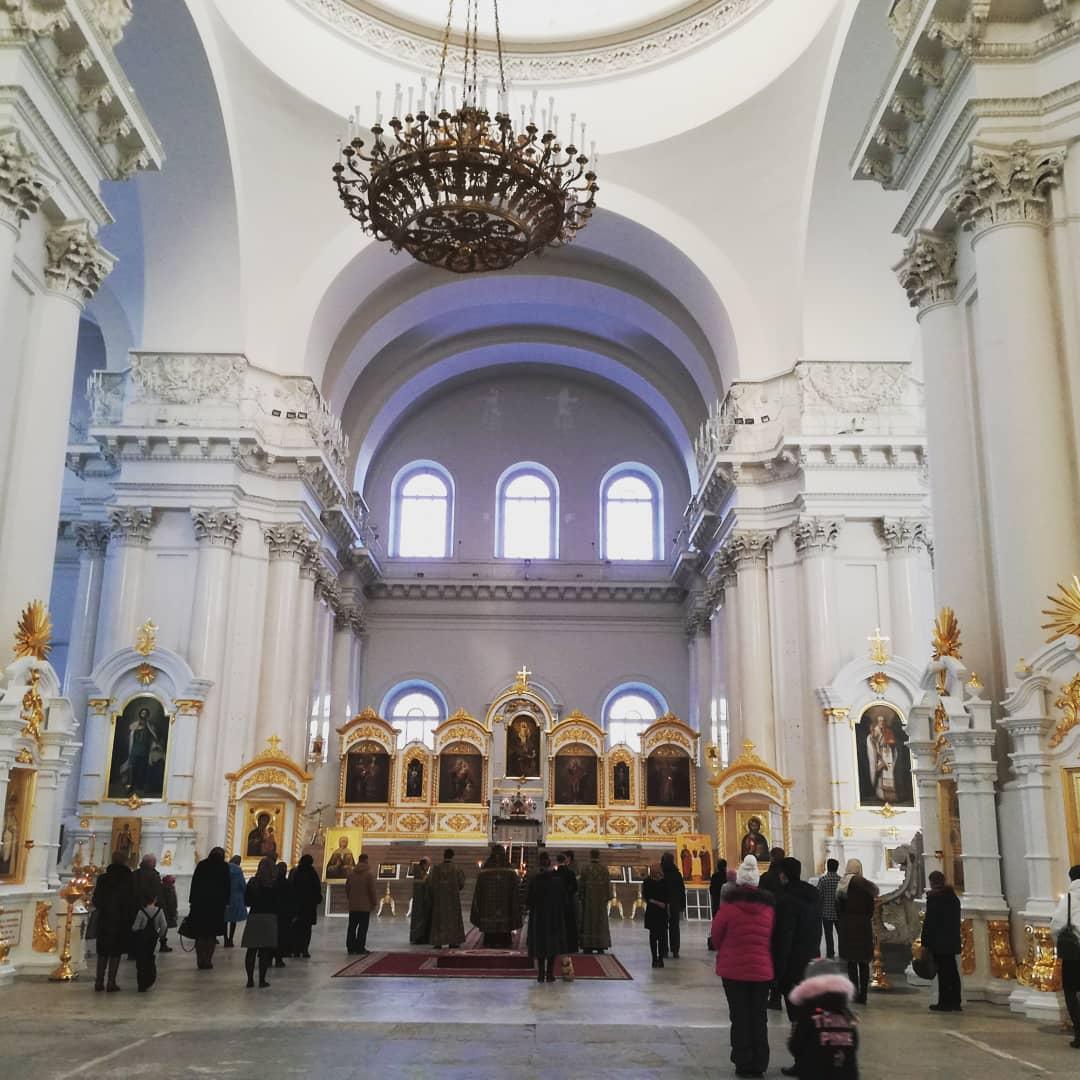 смольный собор фото внутри доминирующей тональности