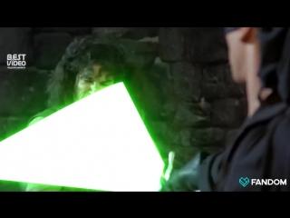 Любой фильм становится лучше со световым мечом