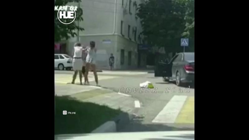 В Новороссийске подрались две женщины — водитель и пешеход