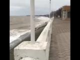 Стихия обрушилась на Азовское побережье.