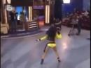Очень Классно танцует смторите