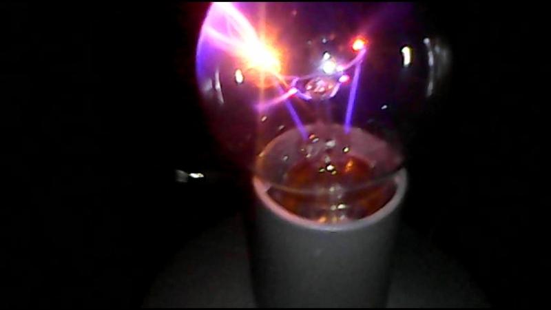 получение электрической плазмы в лампе накала