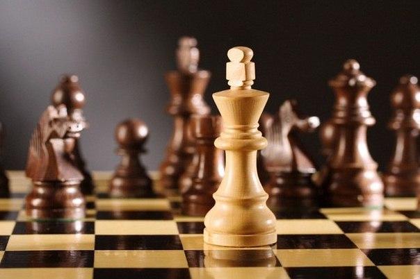 В жизни, как в шахматах. Потерял Королеву — наслаждайся пешками.