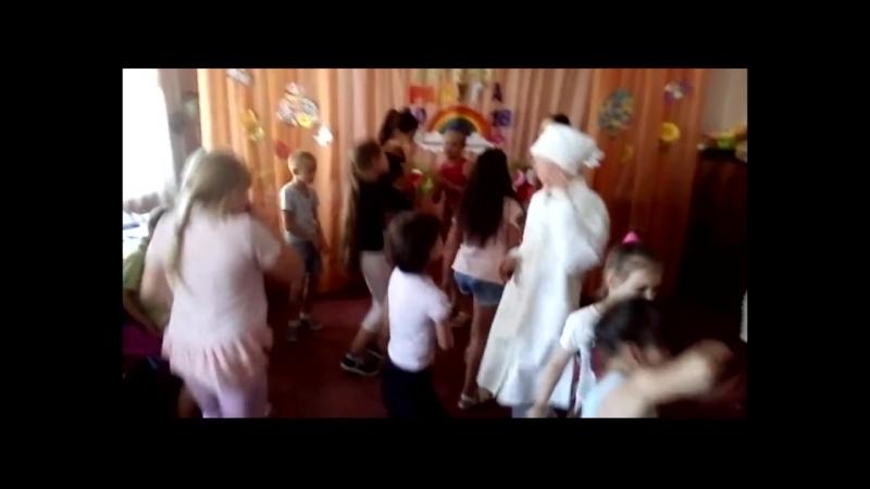 Рубрика : Танцуй так, как будто на тебя никто не смотрит.( Дискотека на закрытие пришкольного лагеря 2018 г.)