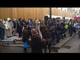 Priére de rue  à Clichy -Et la Marseillaiseretentit ._. (NO COMMENT ).mp4 1.mp4 .mp4