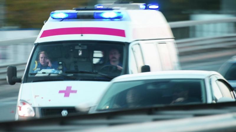 В Соколе мужчина упал с крыши пятиэтажки