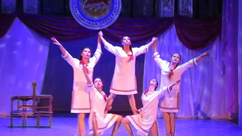 Северная звезда лауреат 2 ой степени номинация эстрадный танец ансамбль 14 18лет Ноченька