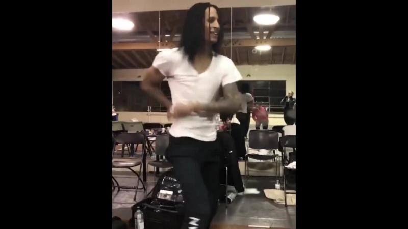 TRNDSTTR MIX 1) IG VIDEO @lestwinscrush 2) Les Twins • TRNDSTTR (Lucian Remix) lyrics YT Channel: Khira @khiraedits Video Lin