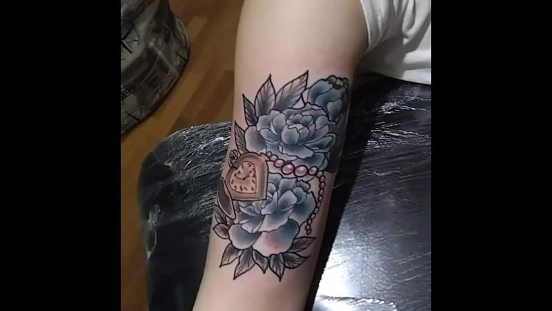 Пионы. Татуировка в Стрежевом.