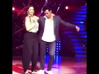 Madhuri Dixit Dancing to Payal Meri