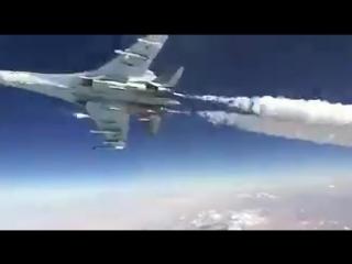 Развлечения лётчиков Су-35 в небе Сирии