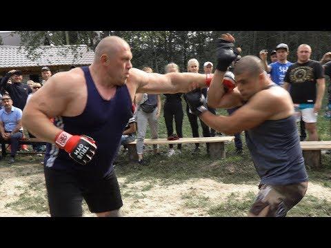 Бой Максим Новоселов против уличных бойцов / Сломал за две минуты