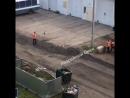 На Съездовской недовольные рабочие тем, что надо переделывать дорогу, устроили драку.