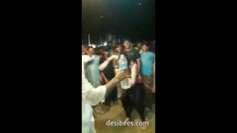 Pakistani Prostitute Topless Dance in public on bollywood track - Free XXX Videos