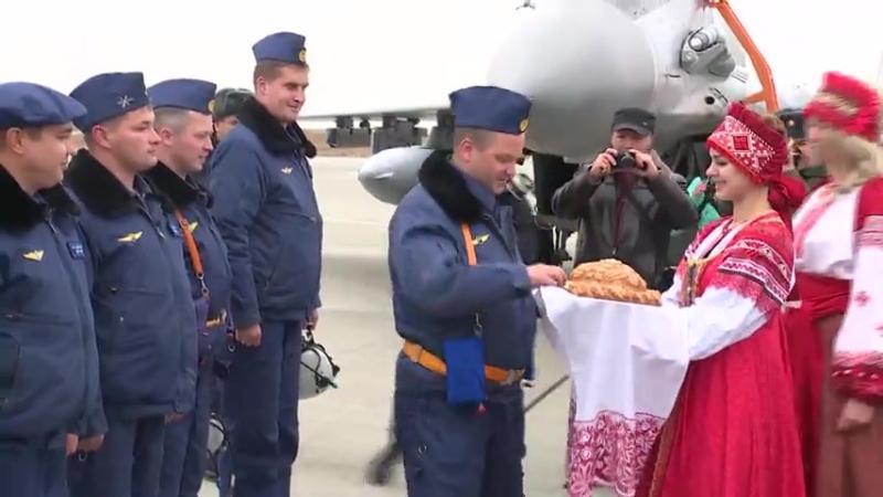 Возвращение экипажей истребителей МиГ-29СМТ в Астраханскую область после успешного выполнения задач в САР