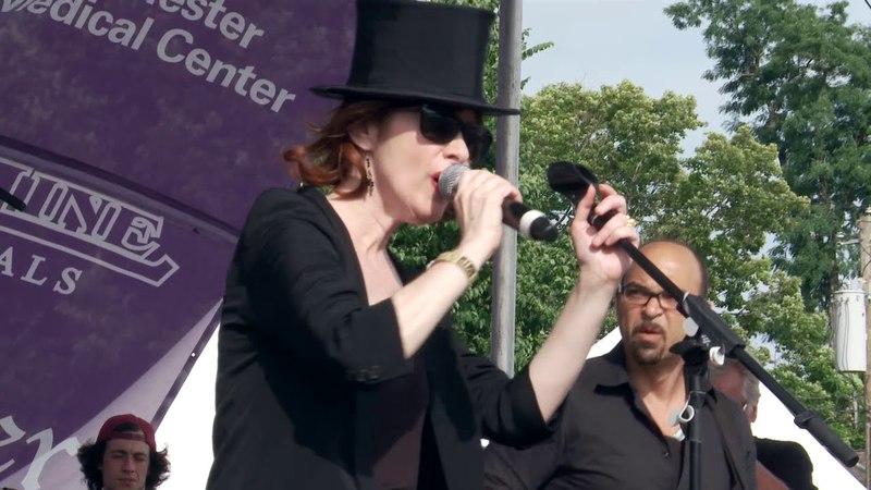 Suzanne Vega Tom's Diner - Live from the 2017 Pleasantville Music Festival
