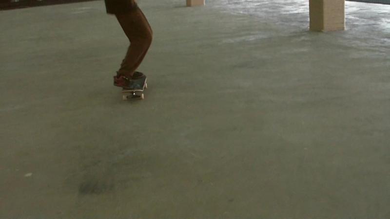 Типа модный скейтмонтаж