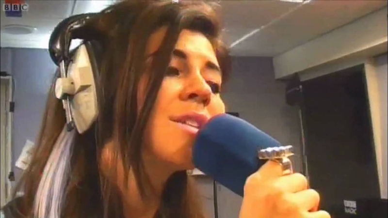 (HD) Marina and the Diamonds - Perfect Stranger (Acoustic Cover) (Live Lounge Cam Video 16/10/2010)