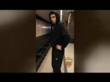 Московский студент ради хайпа прыгнул под поезд метро