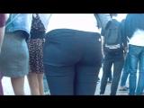 Big ass milfs in tight pants (Мамка захотела внимание парней для своей спелой попы)