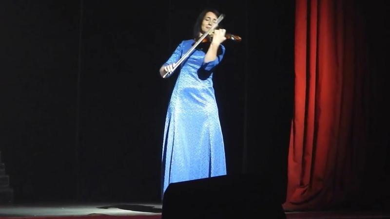 Татьяна Перехрест (скрипка) и Илья Клинцов (труба) - фрагмент из муз. к к\ф Свой среди чужих, чужой среди своих