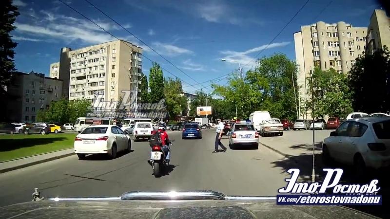 Мотоциклист проигнорировал приказ гибддшника остановиться - 28.05.18 - Это Ростов-на-Дону!