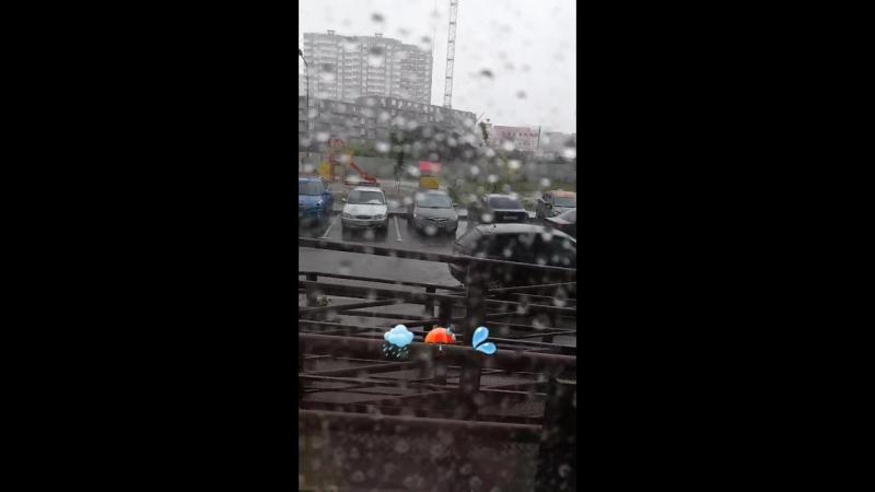 дождь по крышам, дождь по лужам🌧☔💦