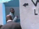 А вот как проводят церемонию открытия общественного туалета где-то в Африке.