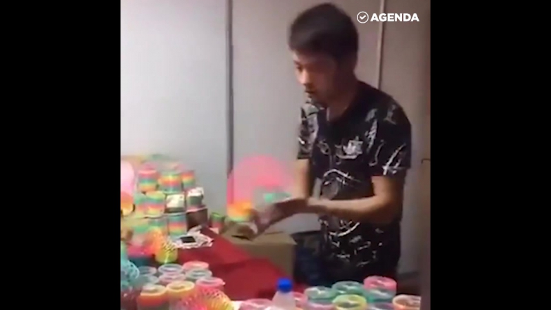 Крутой продавец игрушек