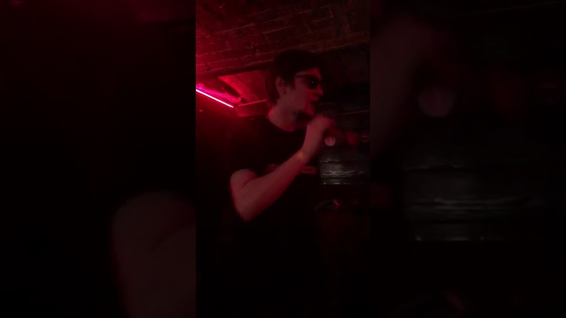 Fallen MC - Концерт в Москве 07 телочка с каре (13.04.2018)
