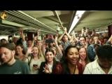 Кристина Агилера в ньюйоркском метро