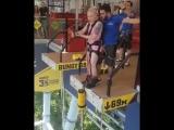Lola Taylor прыгает на канате в Skypark (Сочи)