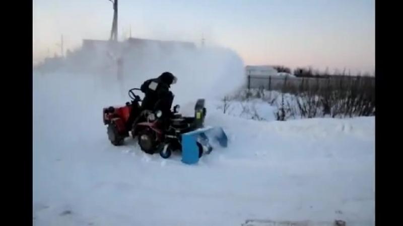 Мини-трактор Беларус-132Н. Работа со снегоочистителем