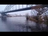 Строительный мусор кидают с моста прямиком в Кинешемку!