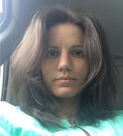 Катя Лезина