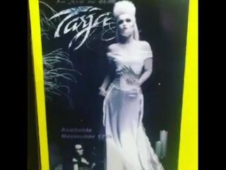 Плакаты Тарьи в США, Техас. Группа: Tarja Turunen Daily