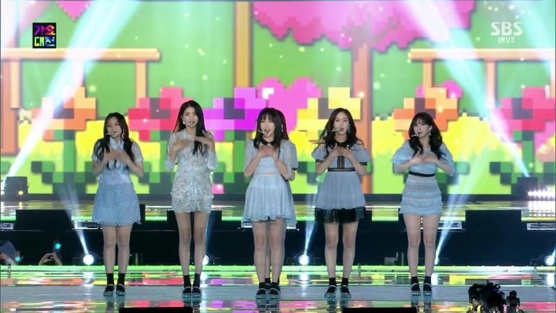 GFRIEND (2017.12.25) SBS 2017 Gayo Daejun- FINGERTIP LOVE WHISPER