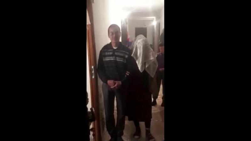 Атырауда 65 жастағы әйел күйеуін бала шағасын тастап 35 жасар жігітке үйленді