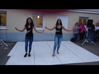 Зарина Машаева и Ольга Миронова - участницы школы