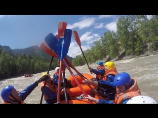 порог Горизонт река Чуя (я в белом шлеме справа)