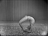 Чакра Бандхасана Chakra Bundhasana. Шри Б.К.С. Айенгар B.K.S. Iyengar, Лондон, 1976