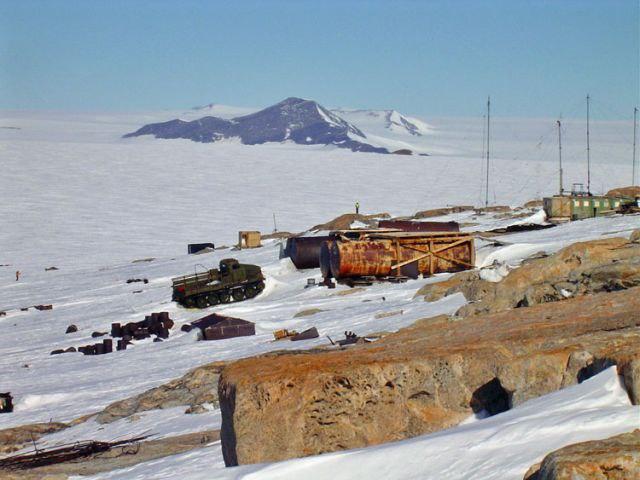 sIYeRRfdV50 - Заброшенные дома в Антарктиде: наследие полярников