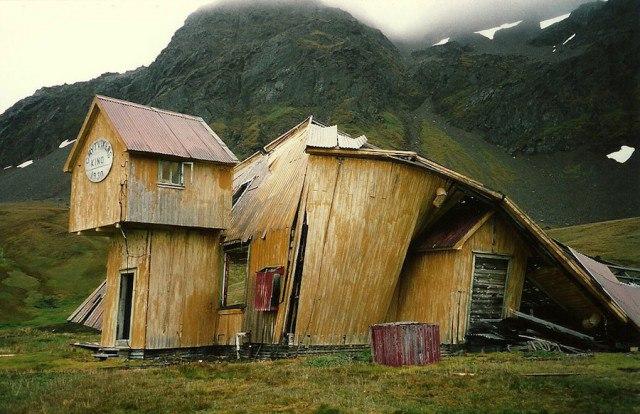 9SHmxEmyS5o - Заброшенные дома в Антарктиде: наследие полярников