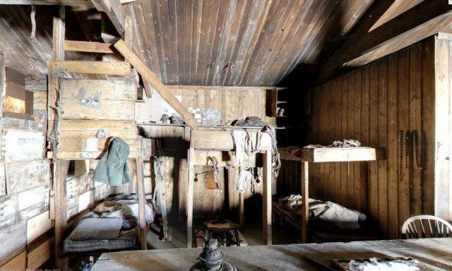 kF4YXIpdT7M - Заброшенные дома в Антарктиде: наследие полярников