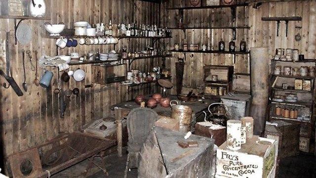cl9o3a2Lrs8 - Заброшенные дома в Антарктиде: наследие полярников