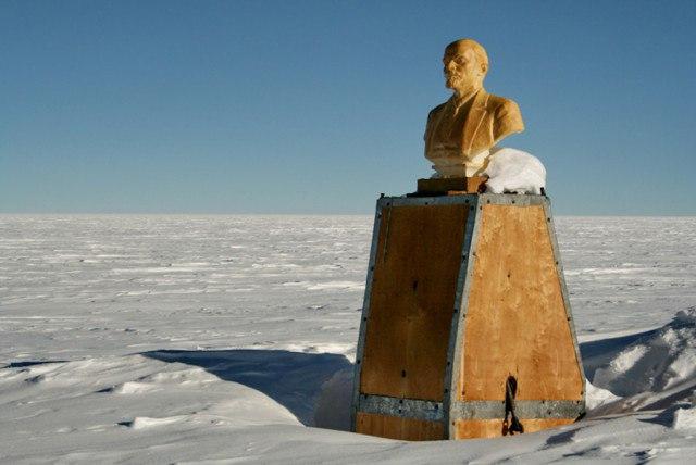 a3OH6neGIuE - Заброшенные дома в Антарктиде: наследие полярников