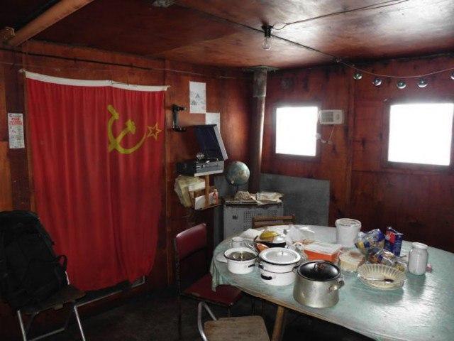 kqVOZrGIVQo - Заброшенные дома в Антарктиде: наследие полярников