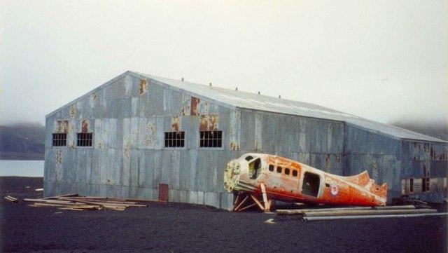 VBChA9oYijg - Заброшенные дома в Антарктиде: наследие полярников